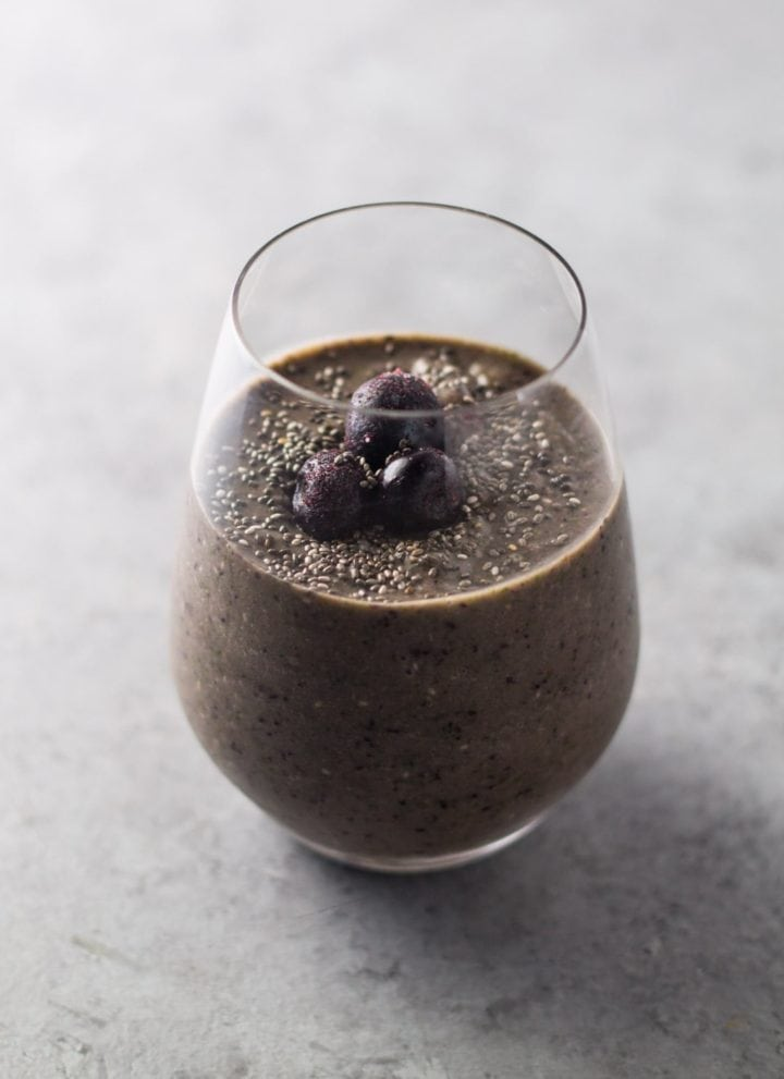 Low FODMAP Blueberry Banana Smoothie