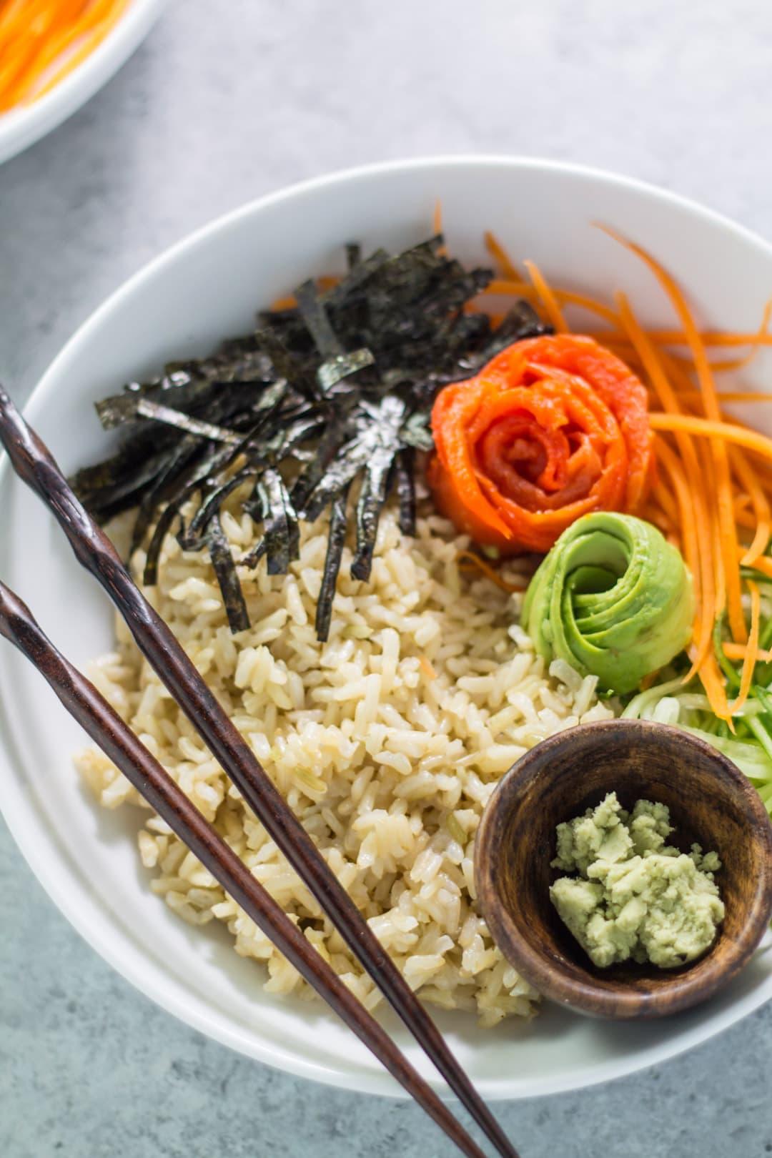A low FODMAP sushi bowl