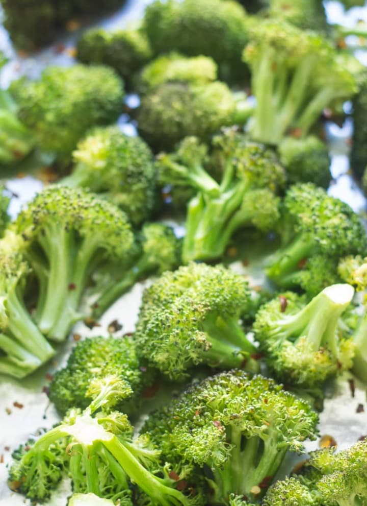 Low FODMAP Spicy Roasted Broccoli
