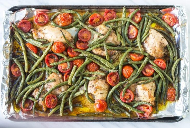 Pan of low FODMAP Italian chicken and veggies