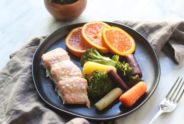 Low FODMAP Salmon, Broccoli and Carrots
