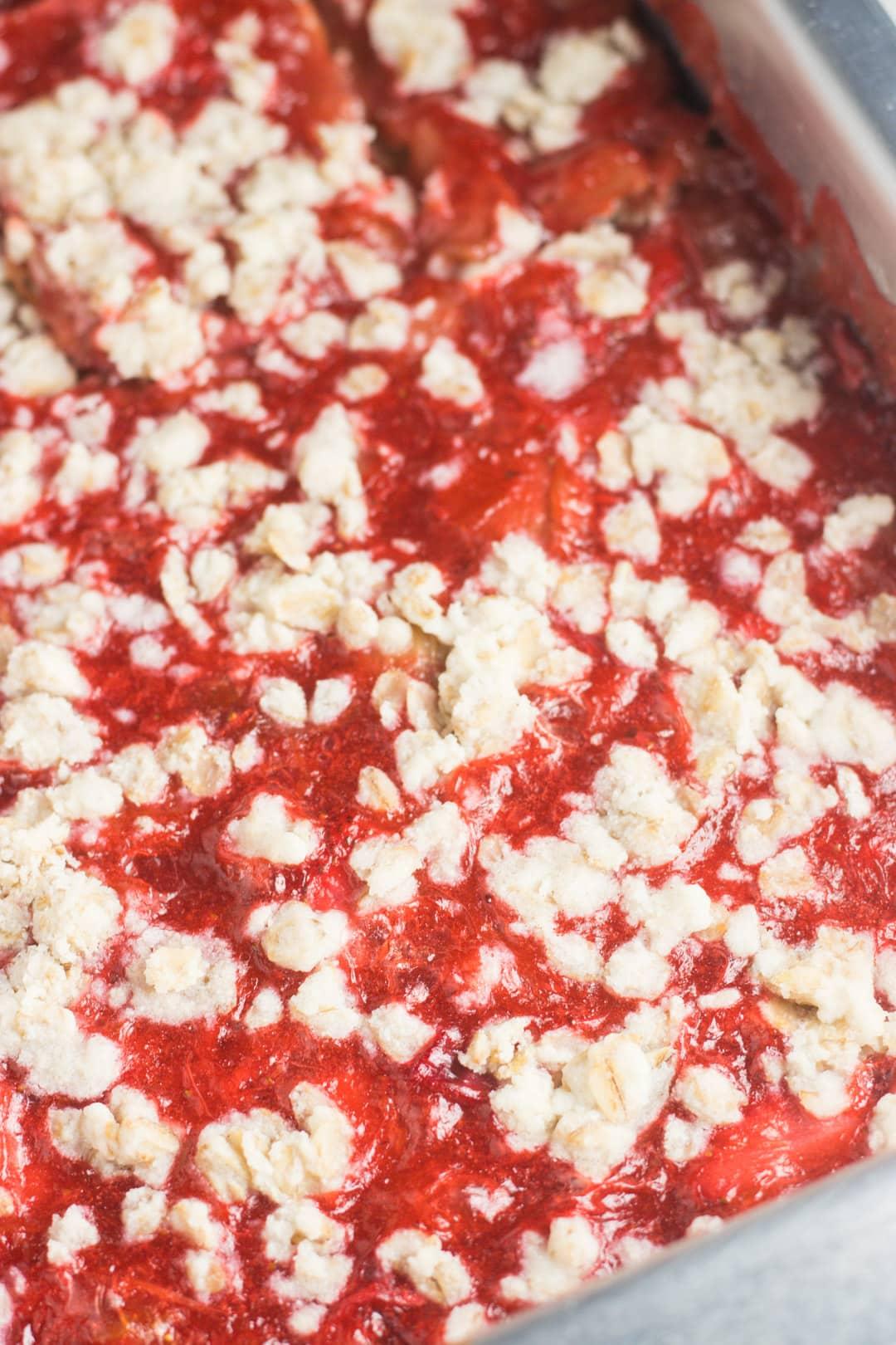 Pan of low FODMAP rhubarb strawberry crumble