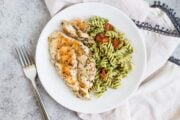 Low FODMAP Pesto Pasta with Grilled Chicken