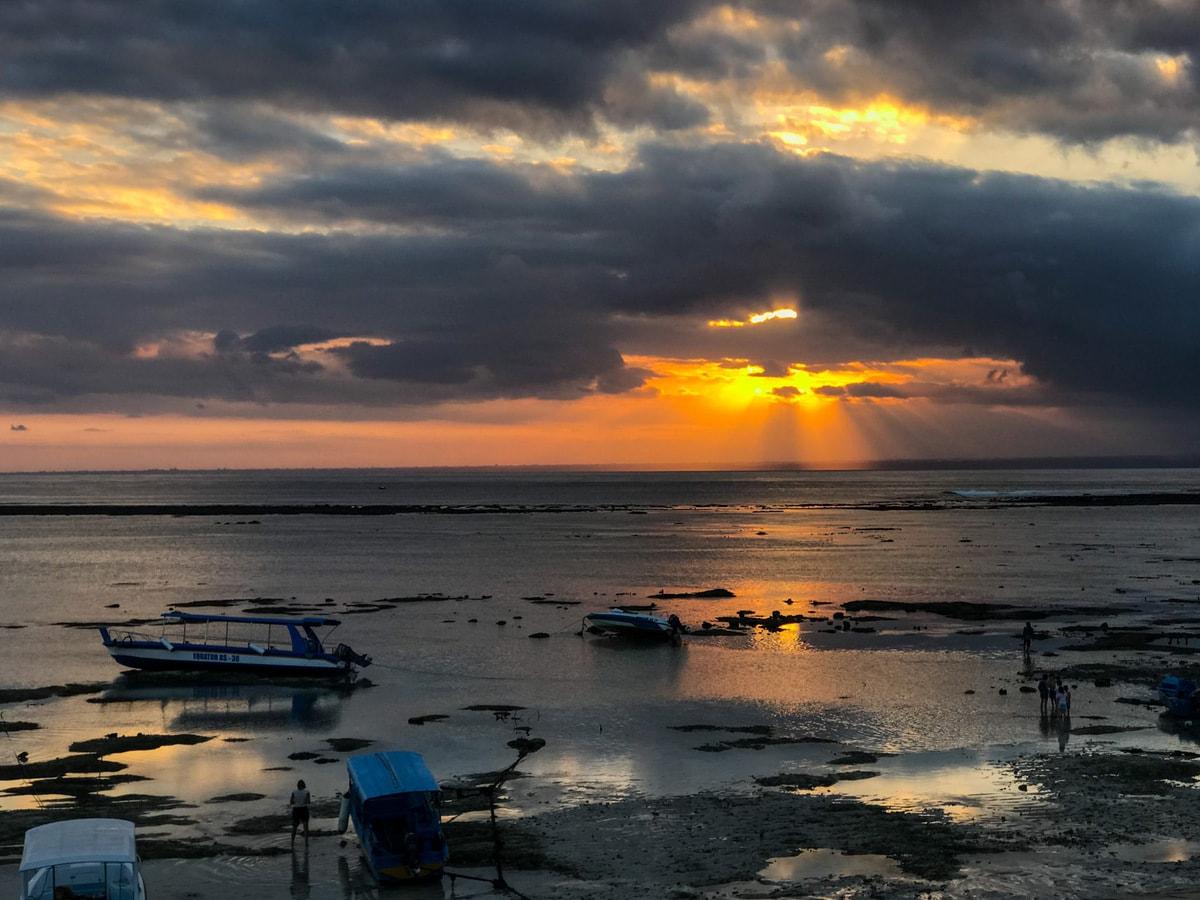 Colorful unset over Jungut Batu Beach in Lembongan, Bali, Indonesia.