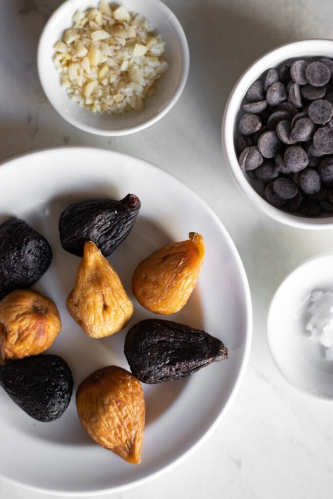 ingredients needed to make chocolate dipped figs